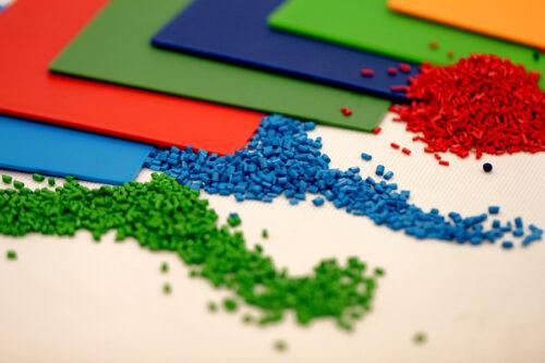 Color masterbatch – chất phụ gia quen thuộc tạo màu cho sản phẩm nhựa