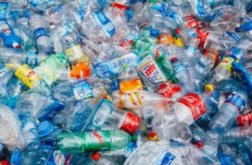 Biến rác thải nhựa thành nguyên liệu máy bay trong 1 giờ