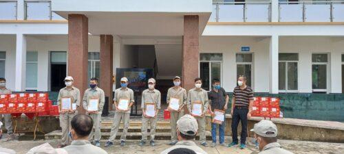 Đại Á trao tặng bằng khen vinh danh các cá nhân đạt giải trong cuộc thi tay nghề sản xuất